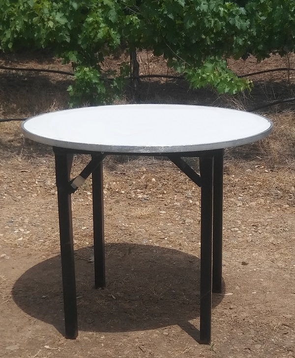 Round Table Wedding Rentals from Brave Horse Winery